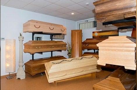 Särge bei Bestattungen Wallraven